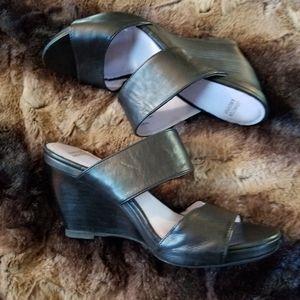 Johnston & Murphy black strappy wedge sandals